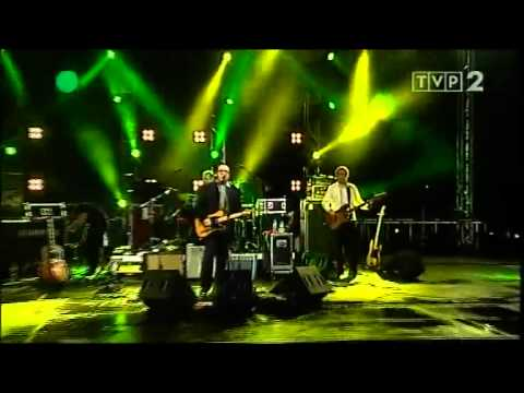 Elvis Costello & The Imposters - Oliver s Army.flv