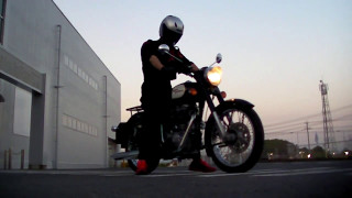 Royal Enfield CLASSIC 350 1704160565 s