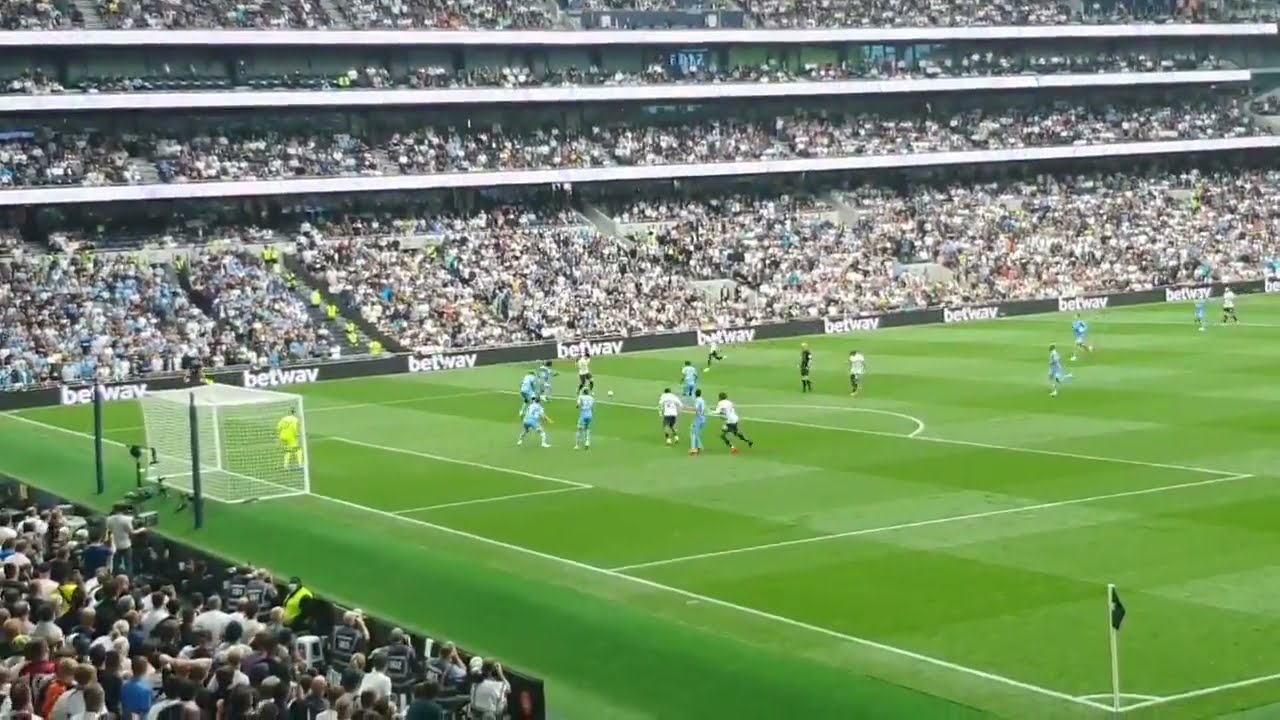 With Kane out, Tottenham beats Man City 1-0 in EPL opener