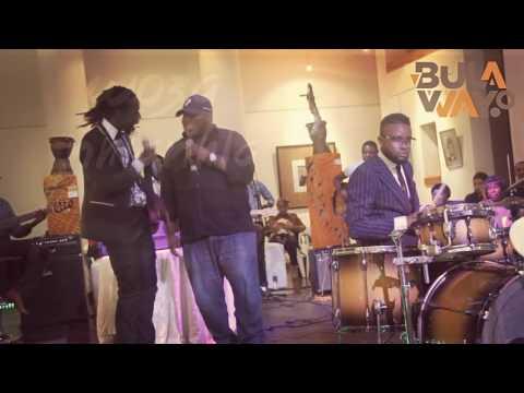 Ngizokulinda…. Hwabaraty ft Vusa Mkhaya (live)