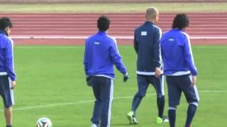 2014.11.15 日本代表の公開練習 グラウンドを何周かしているうちのひと...