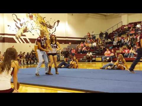 Football players and Cheerleader Dance
