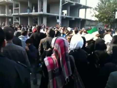 مظاهرة تشييع الشهيد قبل وصول الأمن 2011/12/4 دمشق جوبر/e/2