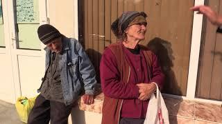 Doi oameni necăjiți din Vaslui povestesc despre necazurile vieții și bunătatea domnului Buzatu!