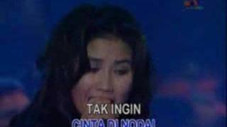 Nicky Astria - Medley Bias Sinar & Mengapa(Live)