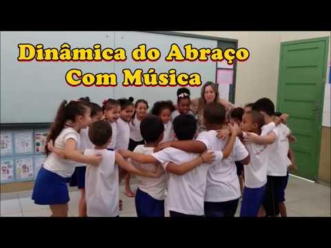 Dinâmica do Abraço com Música
