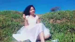Ana Luiza (clipe  não  quero  mais viver )