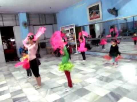 dạy múa quatj2.AVI