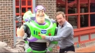Buzz Lightyear voice Tim Allen meets Buzz Lightyear character at Walt Disney World