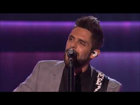 """Thomas Rhett performs """"Die a Happy Man"""" and """"Craving You"""" live in concert Nashville 2017 HD 1080p"""