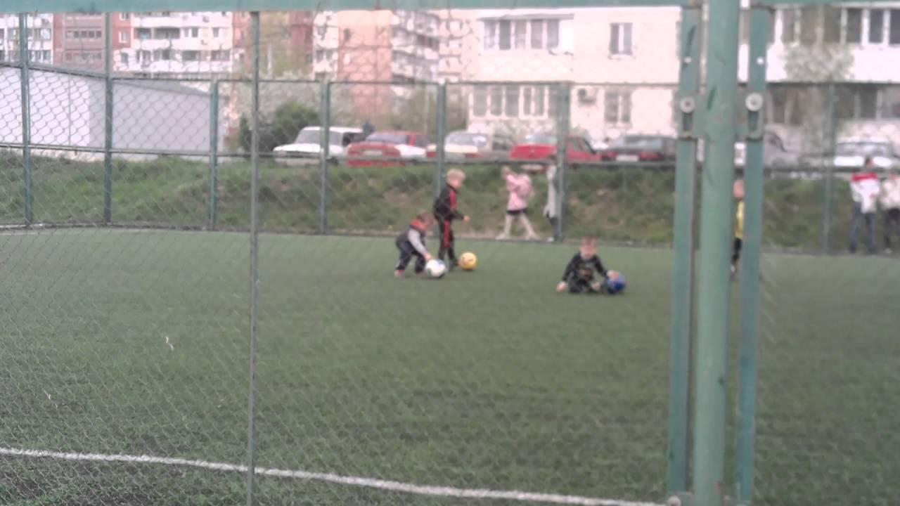 Первый урок футбол