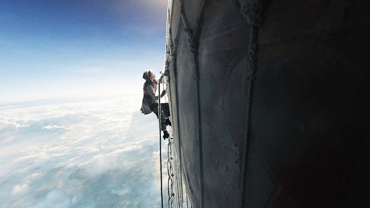 12000미터 상공에서 열기구에 고립된 한 소녀의 극한생존
