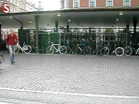 Bicycle parking in Copenhagen 2002
