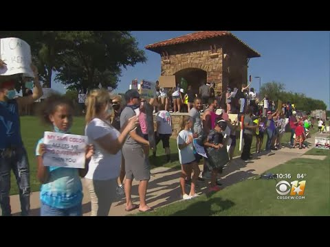 Peaceful Protest Organized By Kids In Fort Worth