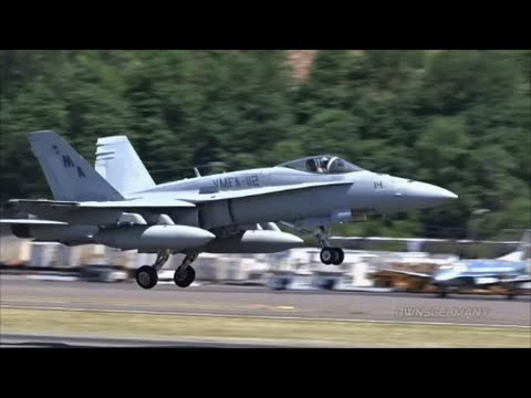Trio of F18 Fighter Jets Taking Off At the Same Time @ KBFI Boeing Field