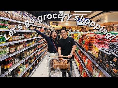 GROCERY SHOPPING WITH THE FAMILY! | RICHARD YAP