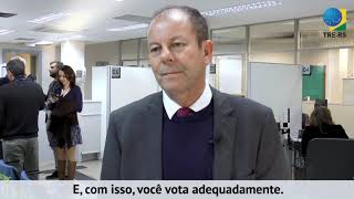 A presidente do TRE-RS, desembargadora Marilene Bonzanini, o vice-presidente, desembargador André Luiz Planella Villarinho, e os quatro juízes efetivos do ...
