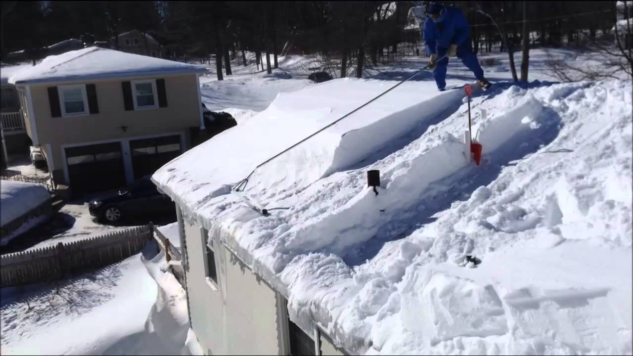 Roof Clearing With Avalanche Type Snow Rake Youtube