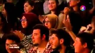 O Ses Türkiye'de Hadise'ye doğum günü süprizi