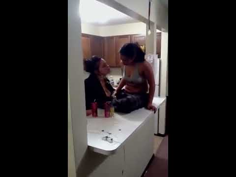 Indian HOUSE WIFE - The Effect Of ALCOHOL - Chennai Express Superb Dance from YouTube · Duration:  52 seconds
