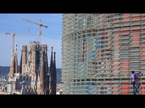 Fransız 'örümcek adam' koronavirüse dikkat çekmek için Barselona'nın en yüksek binasına tırmadı…