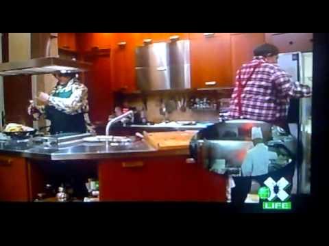 BUGS TV - In Cucina Con Emma - YouTube