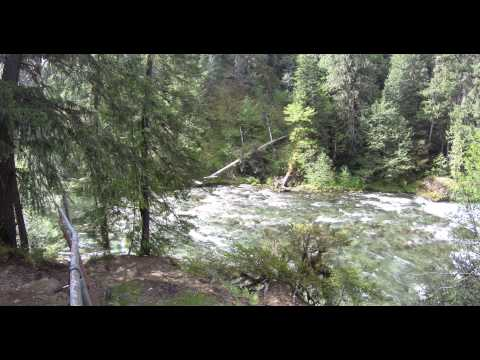 rapids on North Santiam River (4k)
