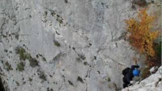 VIA FERRATA caida 200 metros