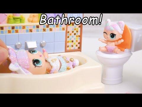 LOL Surprise Dolls Babysit Barbie Babysitter in Goldie Doll house
