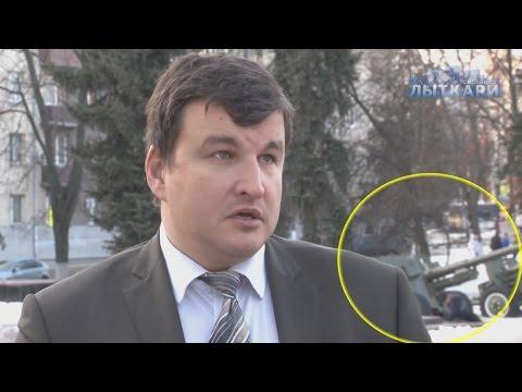 , Видео: чиновник рассказал о благоустройстве на фоне падающих на льду прохожих, LIKE-A.RU