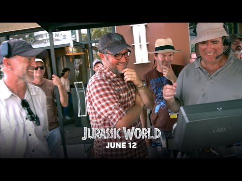 "Jurassic World - Featurette: ""Classic Jurassic Crew"" (HD)"