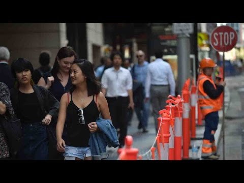 Chinese migrants face new residency rules in Australia