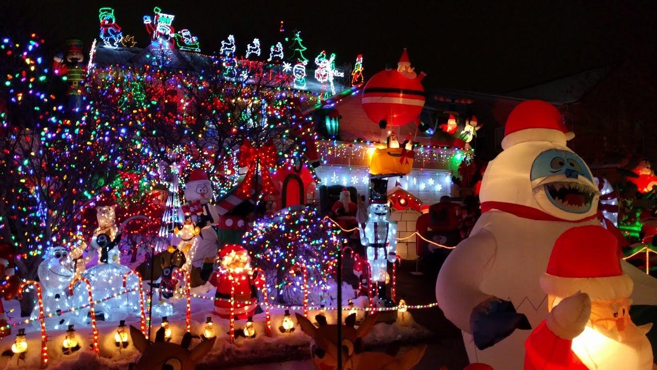 Christmas Lights on Guildwood Boulevard London, Ontario - YouTube