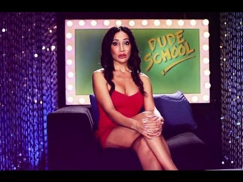 skore-lesson-of-the-week-with-sofia-hayat---how-to-make-a-woman-fall-in-love!!-bindass