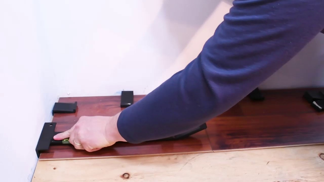 Pull Bar Demo You, What Is A Pull Bar For Laminate Flooring