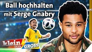 Fußball-Challenge: 7-jähriger Junge besser als Serge Gnabry?   Klein gegen Groß