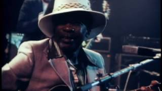 Download John Lee Hooker with Foghat and Paul Butterfield | Crawlin' Kingsnake, 1971 MP3 song and Music Video