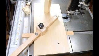 Easy to make small bandsaw sled for cutting small parts. Adjustable fence and a Stop Block for cuts at 45 and 90 degrees. http://