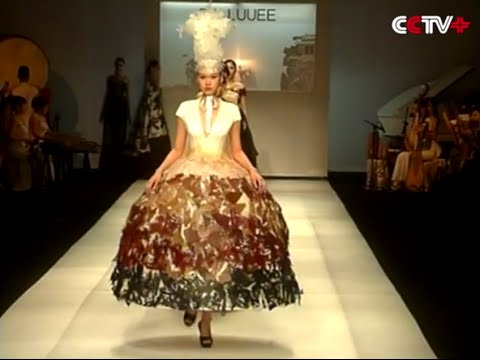 Shenzhen Fashion Week Shines with Combination of Chinese Traditional Culture, Modern Design