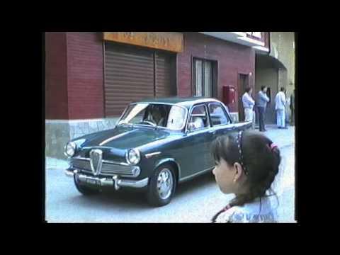 1992-Auto storiche sfilano a Vaie.