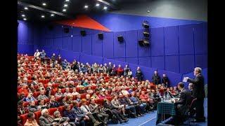 Смотреть видео Встреча Григория Явлинского с избирателями Санкт- Петербурга онлайн