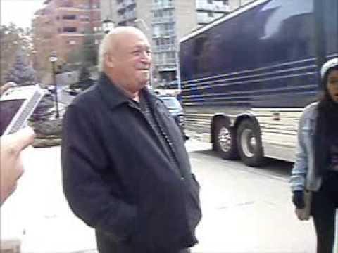 Fan asks Justin Bieber's grandpa for Justin's number!