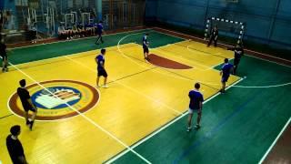 2 тайм соревнования по гандболу в честь дня защитника отечества. ХНЭУ