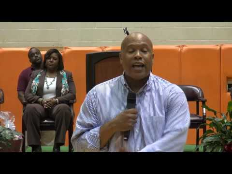 Food Network's Chef Jeff Henderson visits Orangeburg Wilkinson High School