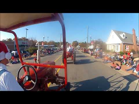 The 79 Farmall 140 in the Zebulon NC Christmas parade