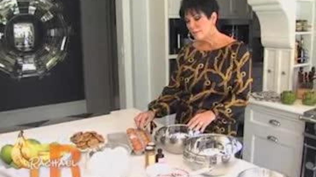 A Very Kardashian Thanksgiving With Kris Jenneru0027s Sweet Potato Souffle |  Rachael Ray Show