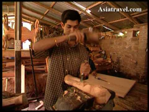 Wood Carving Art, Sri Lanka by Asiatravel.com