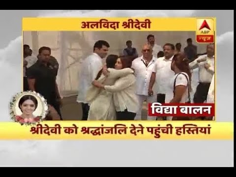 Vidya Balan cries her heart out after watching Sridevi