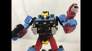 Transformers Generations Selects Deluxe Class Hot Shot Review