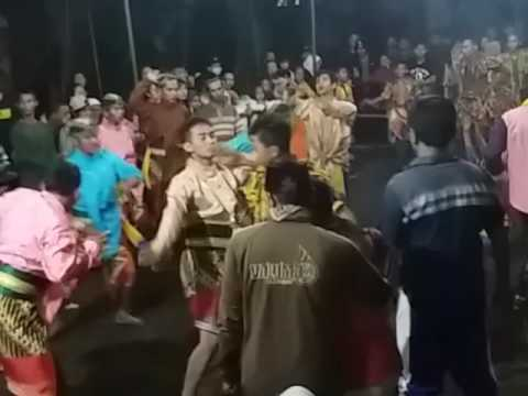 Bojo galak feat jathilan